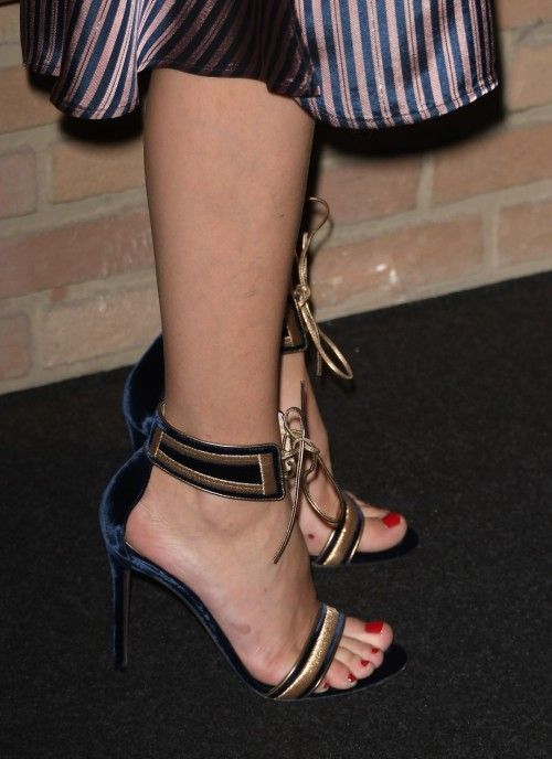 Olivia-Palermo-Feet-136c8a871f81d5a7f9.jpg