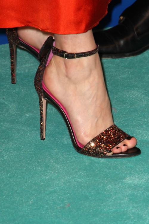 Olivia-Palermo-Feet-2573dc91f2668cf98d.jpg