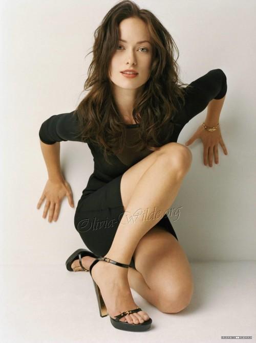 Olivia-Wildes-Feet-3206a7b21a8b60c14d.jpg