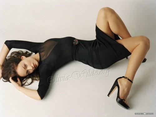 Olivia-Wildes-Feet-34b61069a27dc159d7.jpg