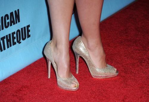 Olivia-Wildes-Feet-41e10fea43bb42305e.jpg