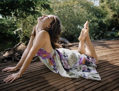 Olivia-Wildes-Feet-467e583f55d4cb9df4.jpg