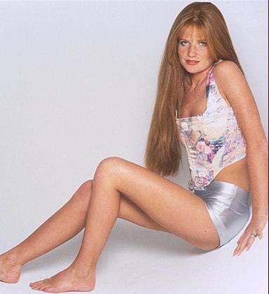 Patsy-Palmer-Feet-1e3ac0a6f18b429bf.jpg