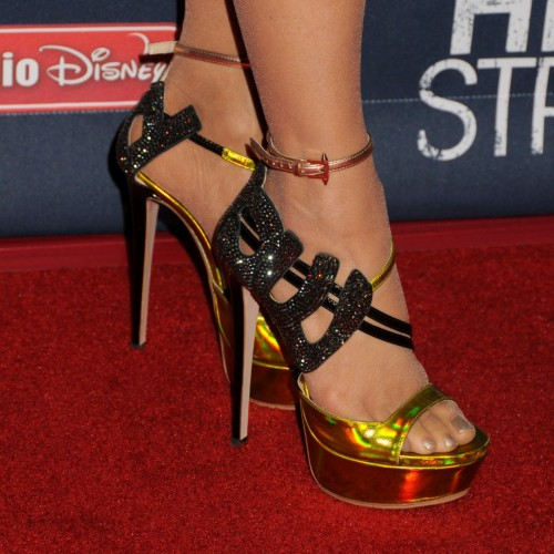 Paula-Abdul-Feet-106f920f64c53d9440.jpg