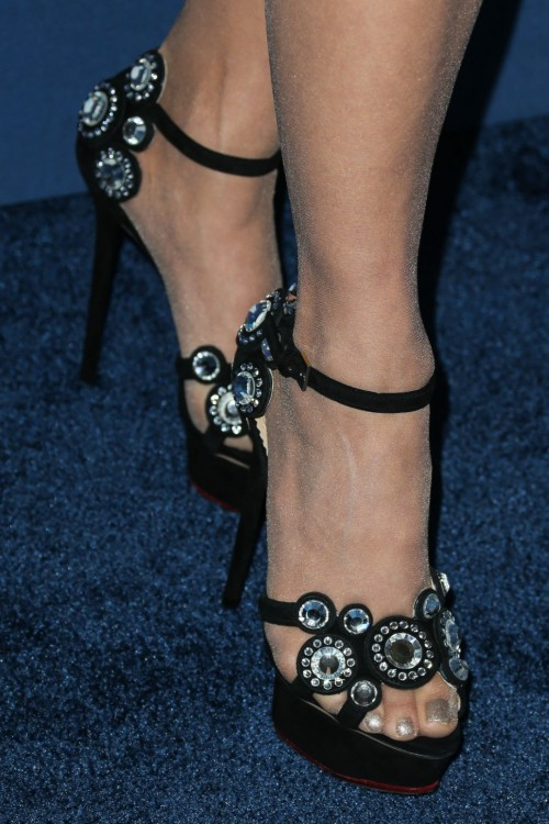 Paula-Abdul-Feet-1238986cf6a8a1442f.jpg