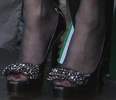 Paula-Abdul-Feet-49facd1604eda686f.jpg