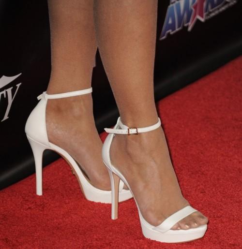 Paula-Abdul-Feet-7d93dec1f68078a7c.jpg