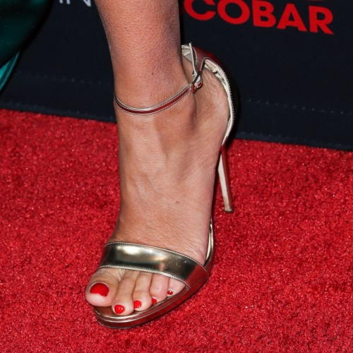 Penelope-Cruz-Feet-157c6731c136b63c30.jpg