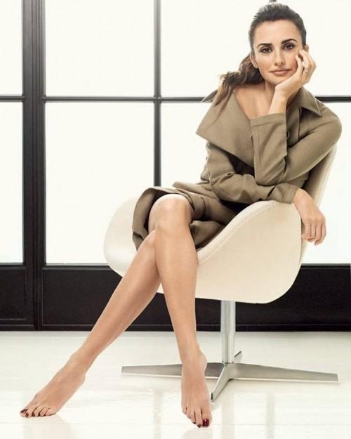 Penelope-Cruz-Feet-1724820f34fcd4b6bd.jpg