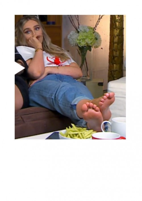 Perrie-Edwards-Feet-284012f2f159b3ccbb.jpg