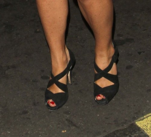 Pippa-Middleton-Feet-1271a5e3248d1abe3.jpg