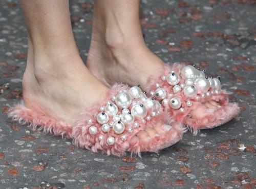 Pixie-Lott-Feet-30d4ed952d0a8ccd73.jpg