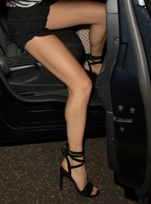Pixie-Lott-Feet-90daead5cdb5aa383.jpg