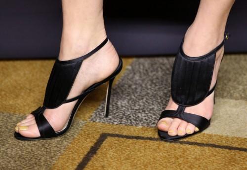 Portia-de-Rossi-Feet-133cc24664a5517a86.jpg