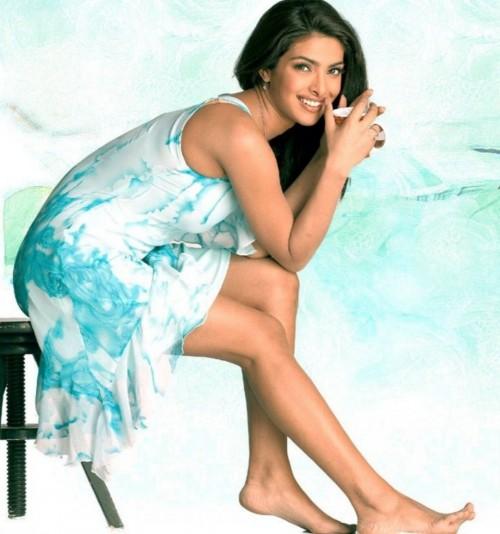 Priyanka-Chopras-Feet-22939d9c04aced6c392.jpg
