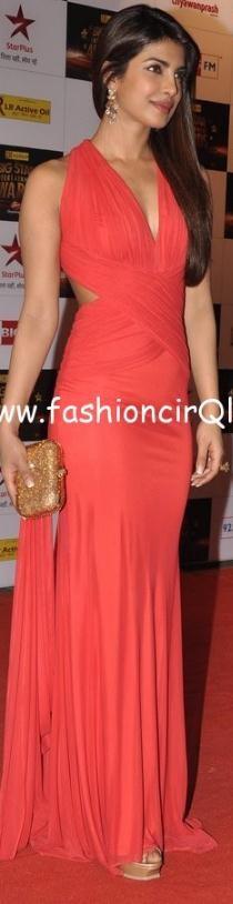Priyanka-Chopras-Feet-2375754e3a3acab46e5.jpg