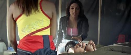 Priyanka-Chopras-Feet-250d2719e67f4377506.jpg