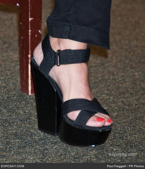 Rachael-Ray-Feet-108f5c329b601a7de8.jpg