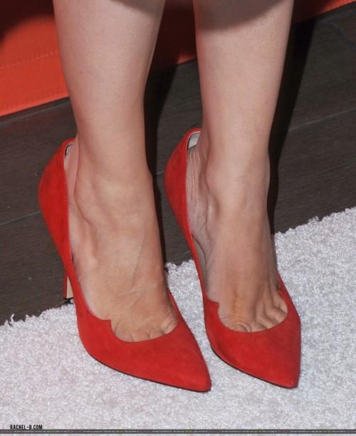 Rachel-Bilson-Feet-100120c8df0a67729a.jpg
