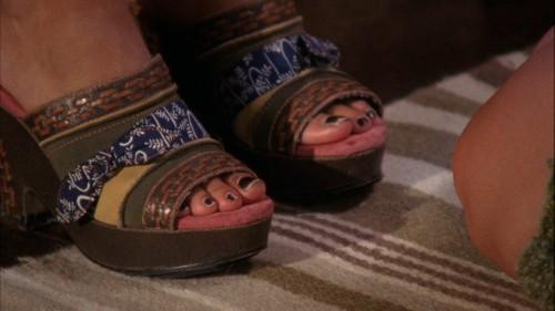 Rachel-Bilson-Feet-2355f467c90b9ca2f6.jpg