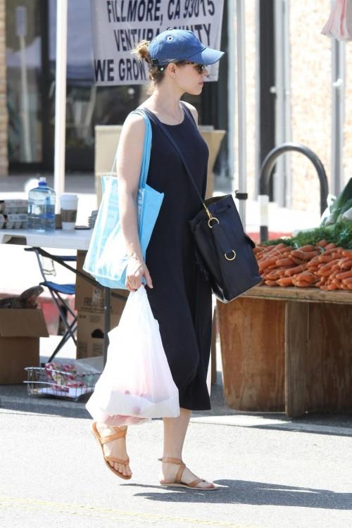 Rachel-McAdamss-Feet-558f91d3e8edb1f091.jpg