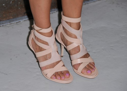 Rashida-Jones-Feet-19895983e207b9c5e36e859.jpg