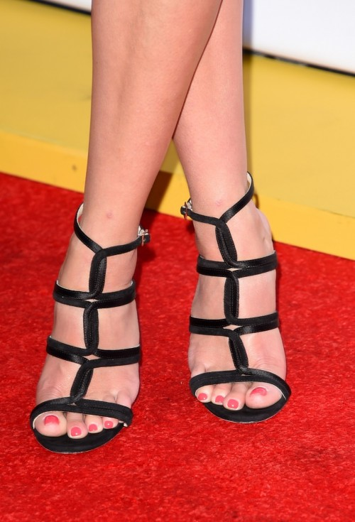 Reese-Witherspoon-Feet-1387cbe24df9770093.jpg