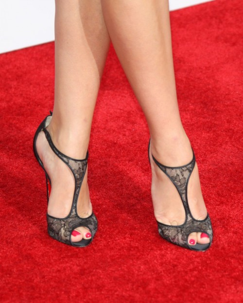 Reese-Witherspoon-Feet-14f8653dea5c22a314.jpg