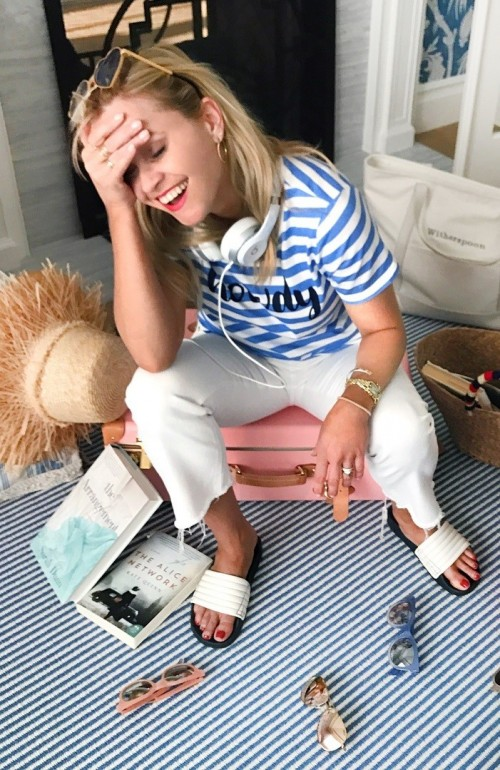 Reese-Witherspoon-Feet-229b7ebbf1b881efce.jpg