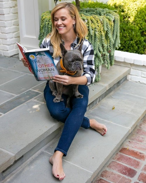 Reese-Witherspoon-Feet-28ec53a669d4f534e8.jpg
