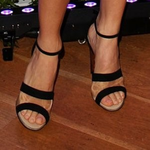 Renee-Bargh-Feet-1161bfba905e6b640c.jpg