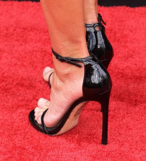 Renee-Bargh-Feet-65029984a3c244112.jpg