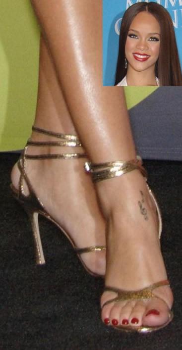Rihanna-Feet-463cc03ec0efcc1028.jpg