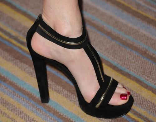Rita-Wilson-Feet-13e3425f350bbf73b5.jpg