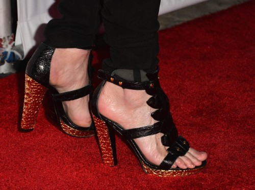 Rita-Wilson-Feet-51ab41ba5086480fa.jpg