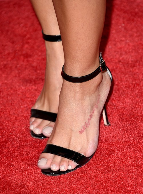 Rocsi-Diaz-Feet-close-up-92625c3b7f2c4b569.jpg