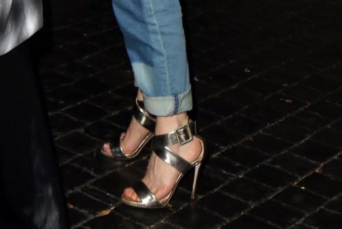 Rose-McGowan-Feet-13b887d8ae91337e1a.jpg