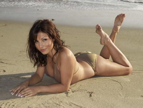 Roxanne-Pallett-Feet-2878479fd5304b9a4.jpg
