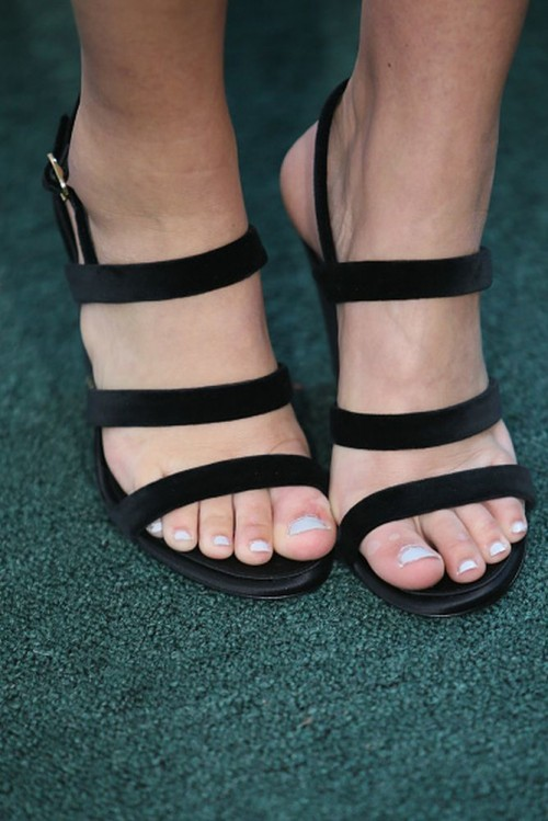 Sadie-Robertson-Feet-1692c165c95b483c7.jpg