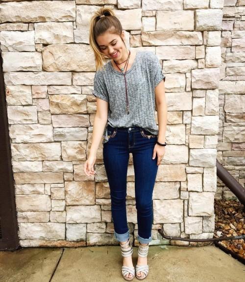 Sadie-Robertson-Feet-21c462f1d21d8b2be5.jpg