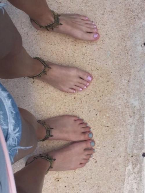 Sadie-Robertson-Feet-2238c2f6c28e755cab.jpg