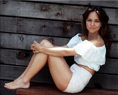 Sally-Field-feet-31942c0a51b81fb33.jpg