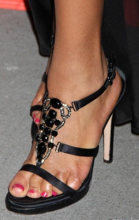 Sanaa-Lathan-Feet-20f5ba7dc630b5497.jpg
