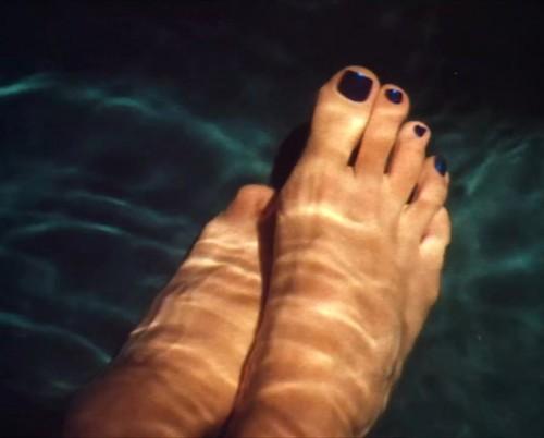 Sandra-Bullock-Feet-111c2eba3a913aa546.jpg