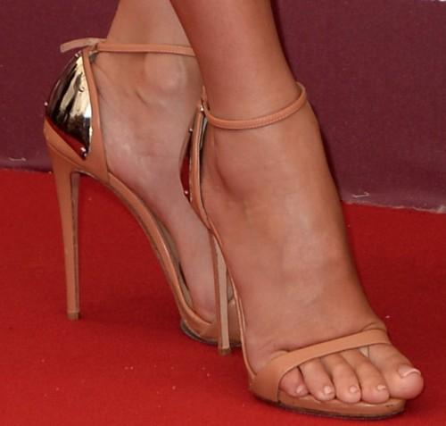 Sandra-Bullock-Feet-15710d9ae41c347203.jpg