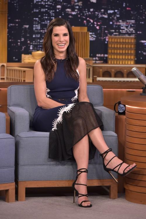 Sandra-Bullock-Feet-17153b243ee1bb1fcb.jpg