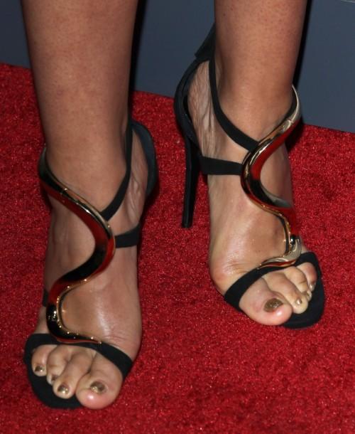 Sara-Ramirez-Feet-22f89d1a42f3ced7f.jpg