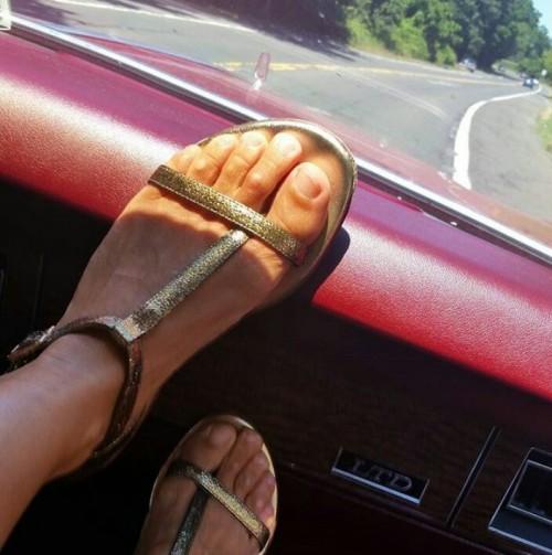 Sarah-Jessica-Parker-Feet-111ea0296c55c4b582.jpg