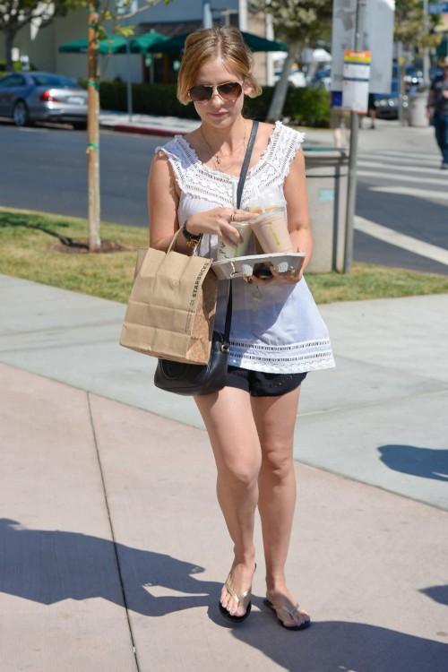 Sarah-Michelle-Gellar-Feet-13a2b38f060d936c1b.jpg