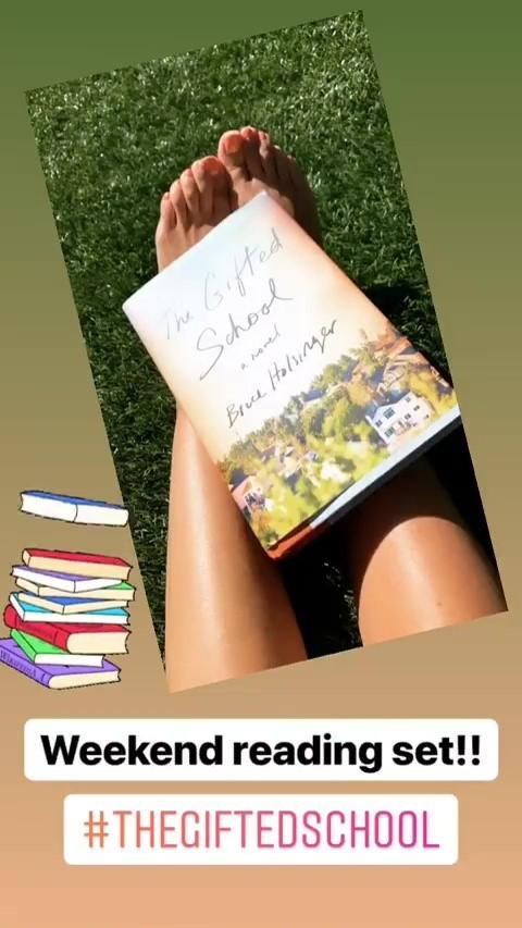 Sarah-Michelle-Gellar-Feet-38cdab4a484c07c2c5.jpg